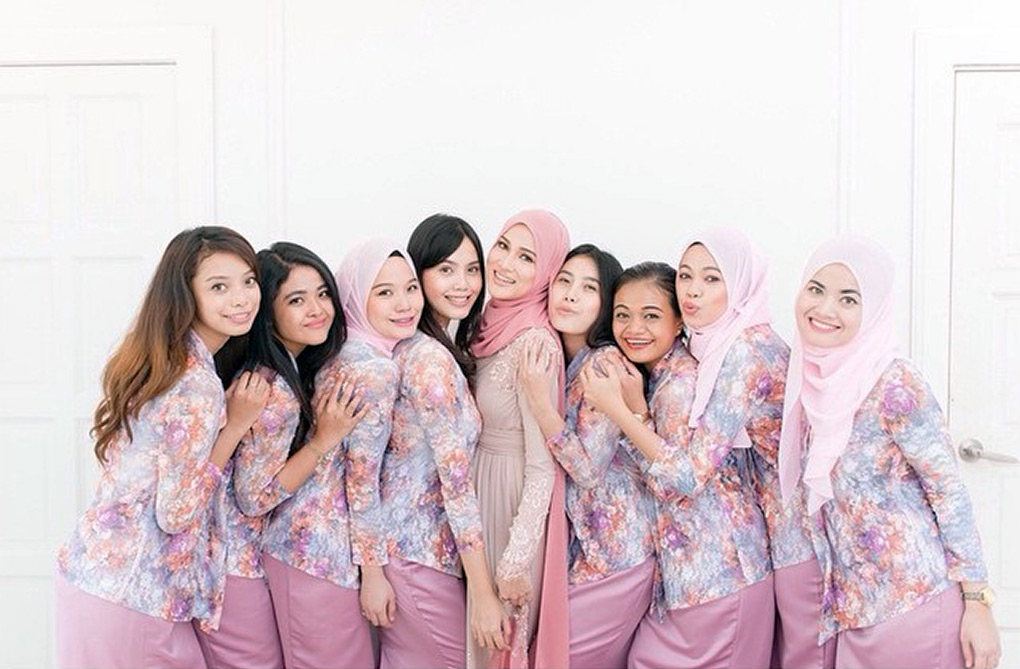 Baju Bridesmaid Floral & Kain Plain