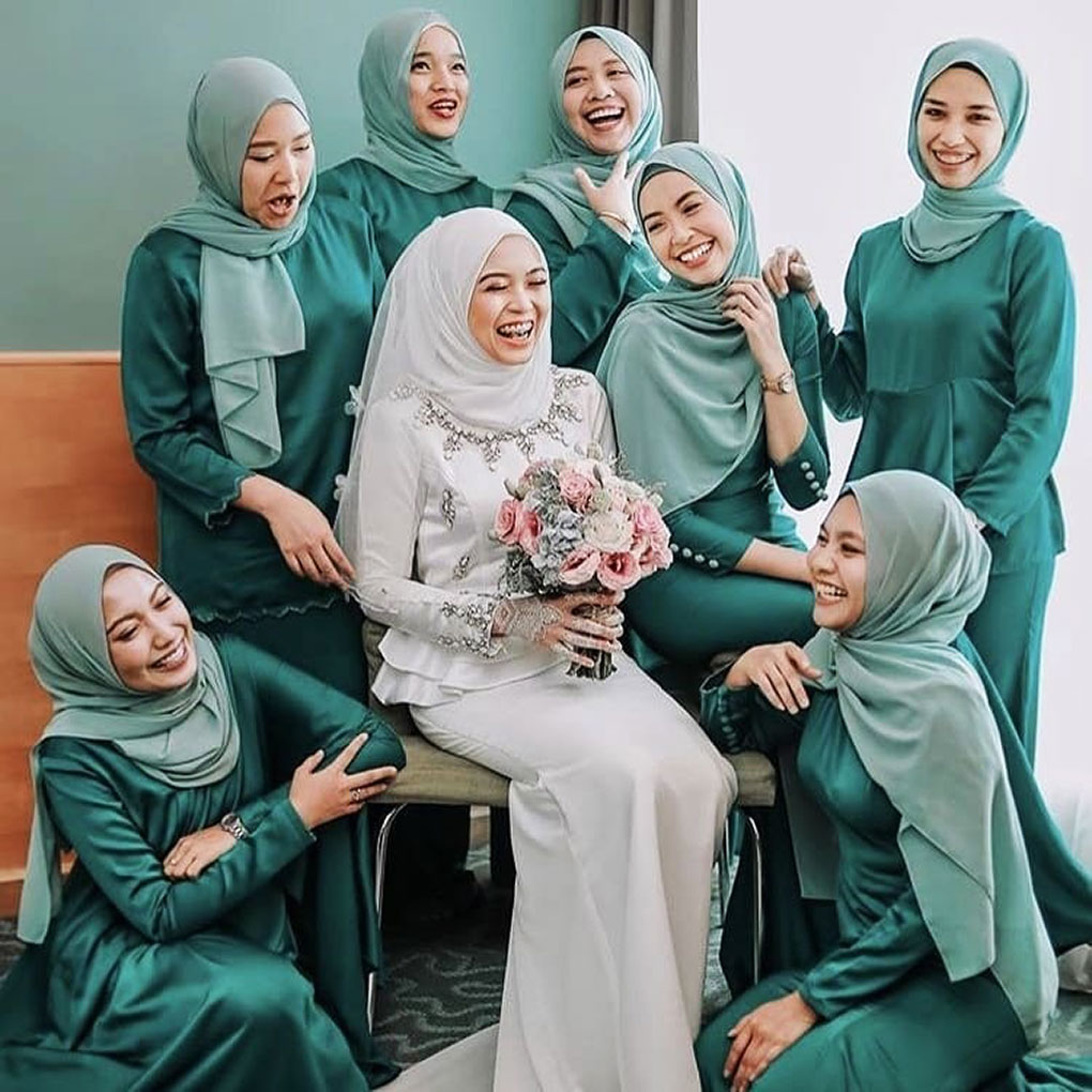 Baju Bridesmaid Satin Dark Green
