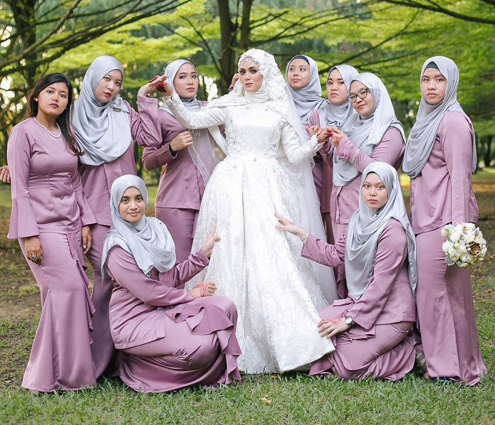 Baju Bridesmaid Satin Purple & Silver