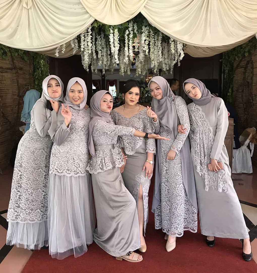 Baju Lace & Plain Grey
