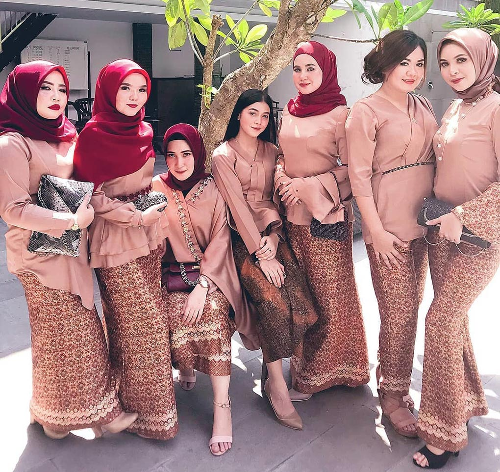 Baju-Bridesmaid Plain & Kain Batik
