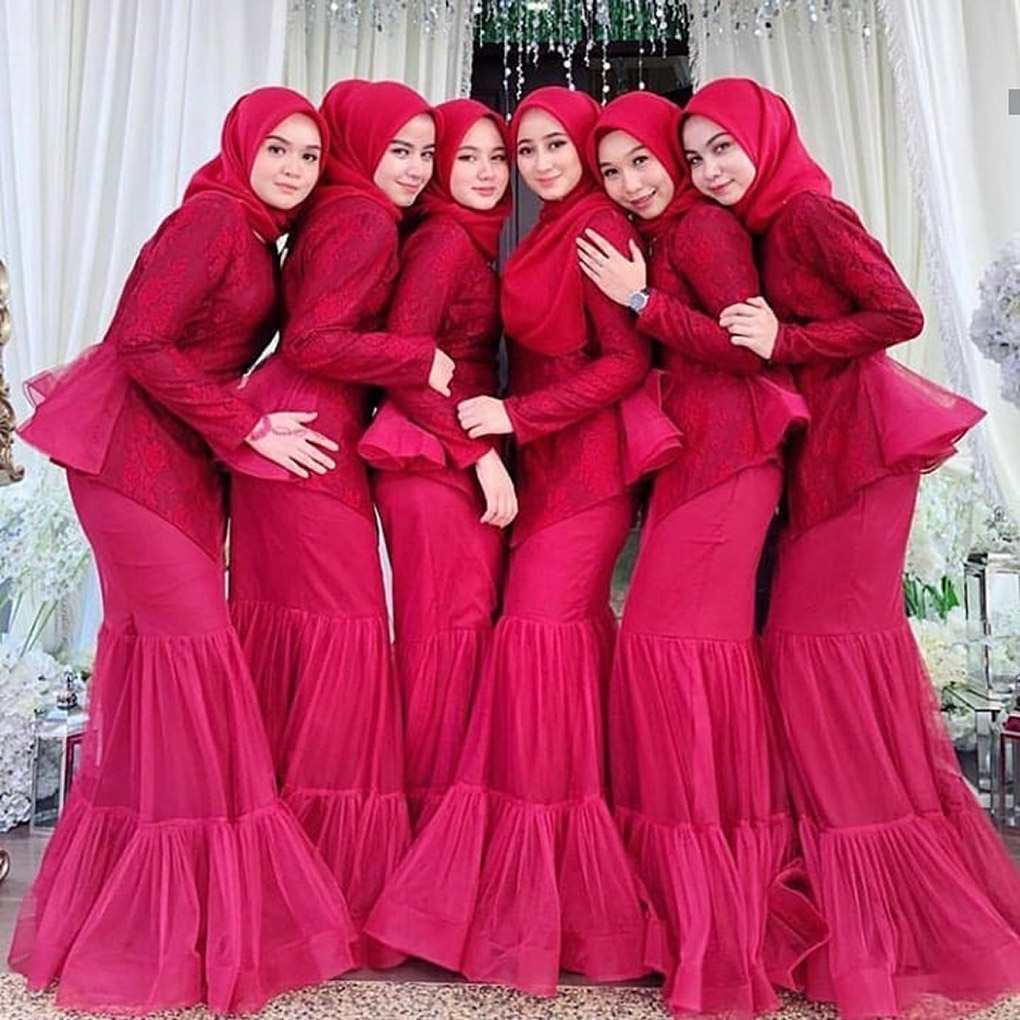 Baju Bridesmaid Merah Carmine