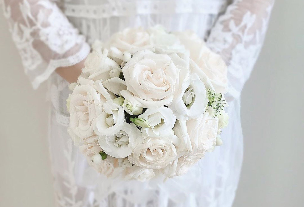 Round Wedding Bouquet Pengantin